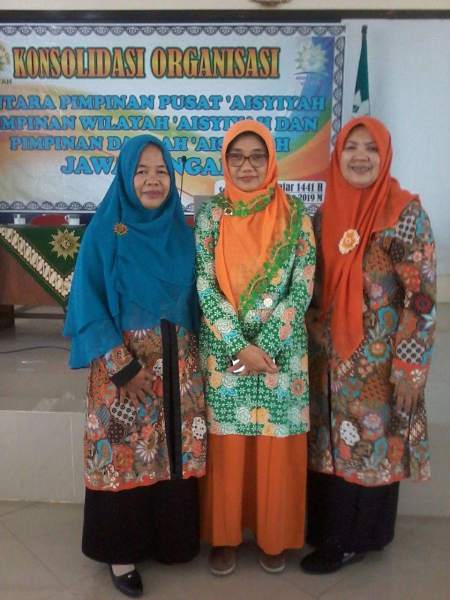 Ketua dan  Sekretaris PDA Kebumen bersama Ketua Umum PWA JAwa Tengah